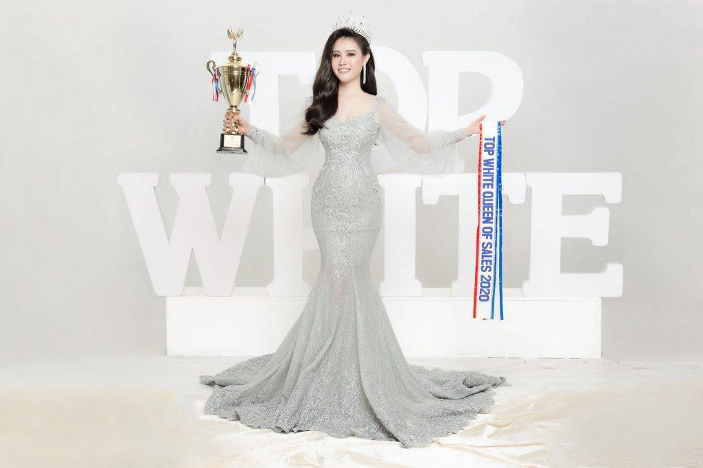 Nữ Hoàng Sales Kim Linh cảm thấy rất may mắn khi biết đến Top White