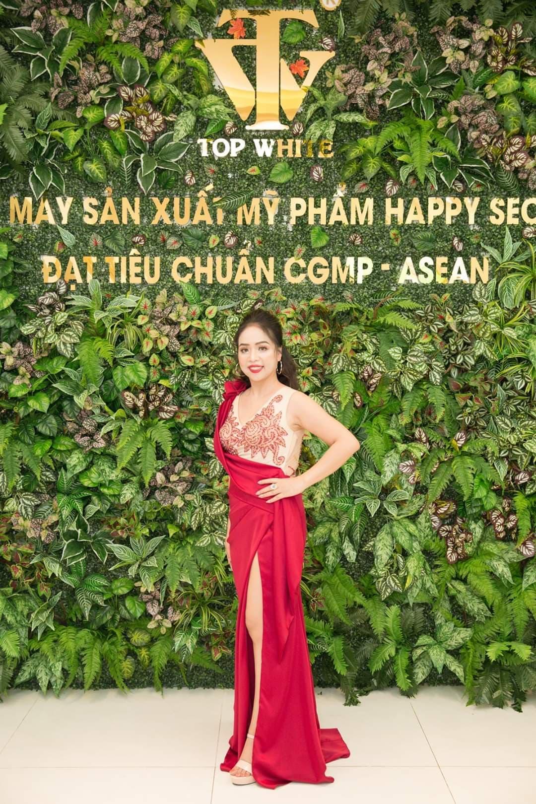 Nhà phân phối độc quyền mỹ phẩm Top White Bạch Thị Thu Trang